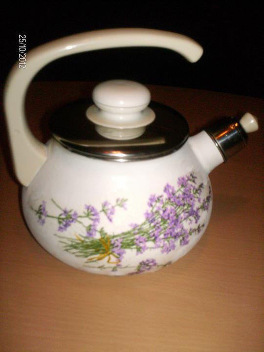 Môj relax....alebo čo robím, keď zaspia deti :D - ...vynovený čajníček :)