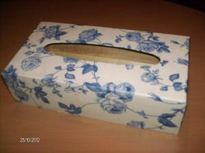 ...nová škatuľka na servítky....