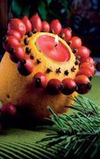 videonávod: http://www.pluska.sk/izahradkar/specialy/vianoce/vytvorte-si-vonavu-vianocnu-dekoraciu.html