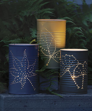 Recyklované a iné nápady ♻ - http://www.finegardening.com/how-to/articles/garden-lanterns.aspx?nterms=74888