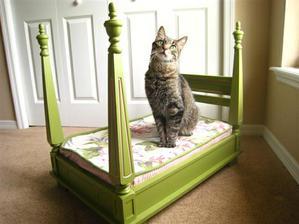 otočený stolík