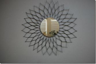 http://glasgowplace.blogspot.com/2011/07/sunburst-mirror-trashy-treasures.html