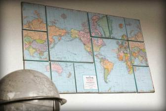 obraz z mapy ////////////http://littlebirdiesecrets.blogspot.com/2011/03/canvas-map-wall-decor-guest-tutorial.html