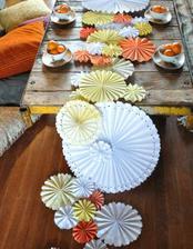 http://greenweddingshoes.com/diy-pinwheel-table-runner/