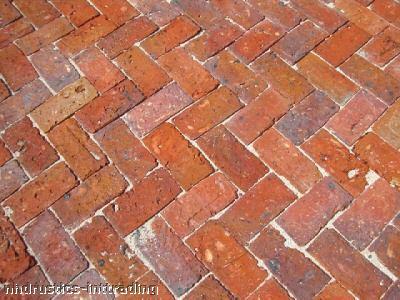 Recyklované a iné nápady ♻ - podlaha zo starých tehiel..... DOKONALO NEDOKONALÉ......krásne!