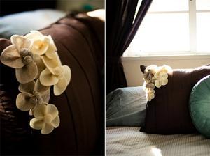 http://strawberry-chic.blogspot.com/2011/04/tutorial-felt-flower-pillow.html