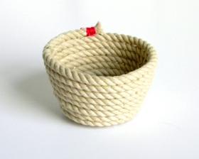 miska z lana ///// http://belrossa.blogspot.com/2012/03/diy-rope-bowl.html