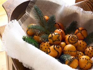 Natural christmas (aké dekorácie si môžeš vyrobiť sama:) ☃ - Mandarínky a v ních tuším klinčeky