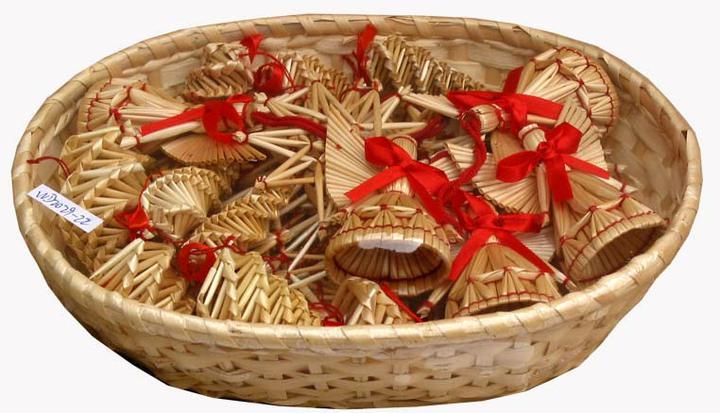 Natural christmas (aké dekorácie si môžeš vyrobiť sama:) ☃ - toto si asi samé nevyrobíte, ale je to klasika ktorá nesmie chýbať :)
