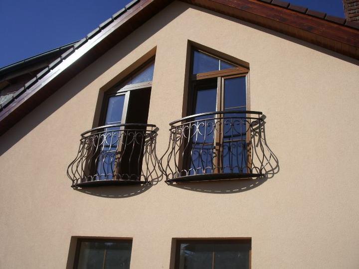 Príprava na bývanie ;-) - miesto jedneho z balkona dame na okna taketo zabradlie :)