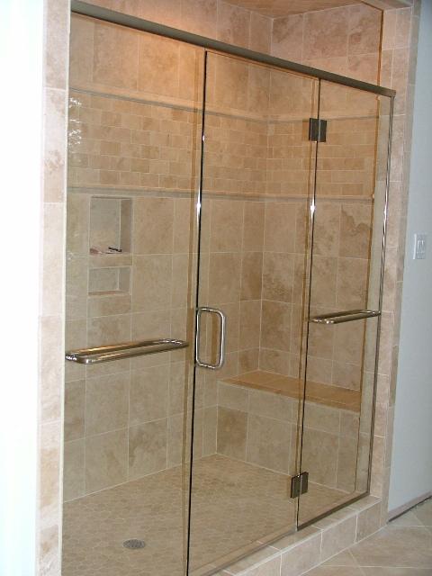 Príprava na bývanie ;-) - Manzelov napad- do spodnej kúpeľné pôjde na celú šírku kupelne takýto murovaný  dvojitý sprchovaci kút s dvoma panelmi, niečo takéto, len po bokoch pôjde sklobeton :)