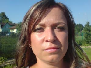 Nejlepší je fotit líčení venku, proti slunku :-)