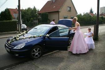 auto nevěsty, svědkyně a družička...