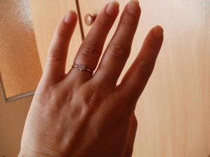 Tak toto je moj snubny prstienok....
