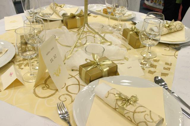Prve krystaliky svadobnej mozaiky - vyzdobu chceme v elegantnej zlato-sampanskej farbe
