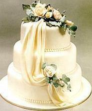 takúto tortu by som si vedela predstaviť.....:)