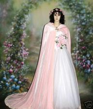 tento svadobny plast som si objednala len v kremovej/maslovej farbe