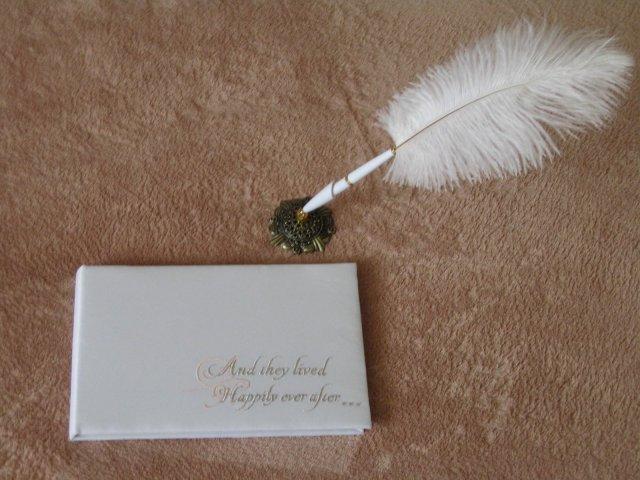 Wedding Royale - svadobna knizka hosti s perom