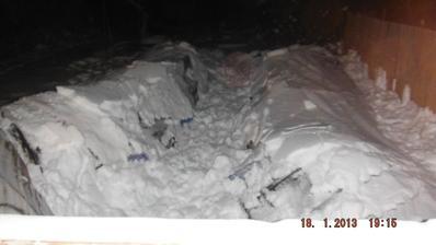 a po.... neuniesol sneh, všetkým odporúčam čistite od snehu, aj keď tento rok je výnimočný snehovou nádielkou