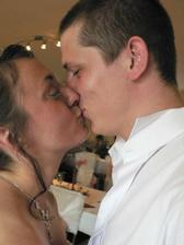 druhý manželský polibek