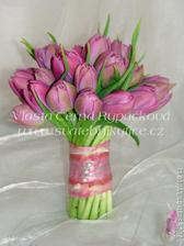 Puvodne jsem chtela cervene ruze, ale tyhle tulipanky me uchvatily...