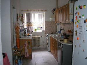 trošku zvelebená stará kuchyně