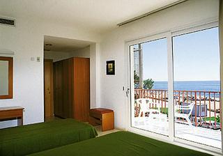 ...hotel Surf Mar