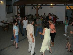 Tančilo se