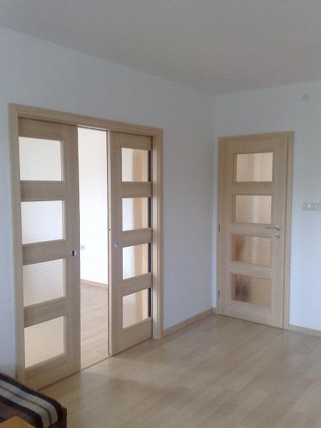 2v1 - Posuvné dvojkrídlové dvere do stavebného puzdra