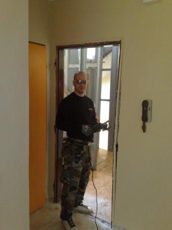 2v1 - Demontáž a montáž bezpečnostných dverí v Poprade