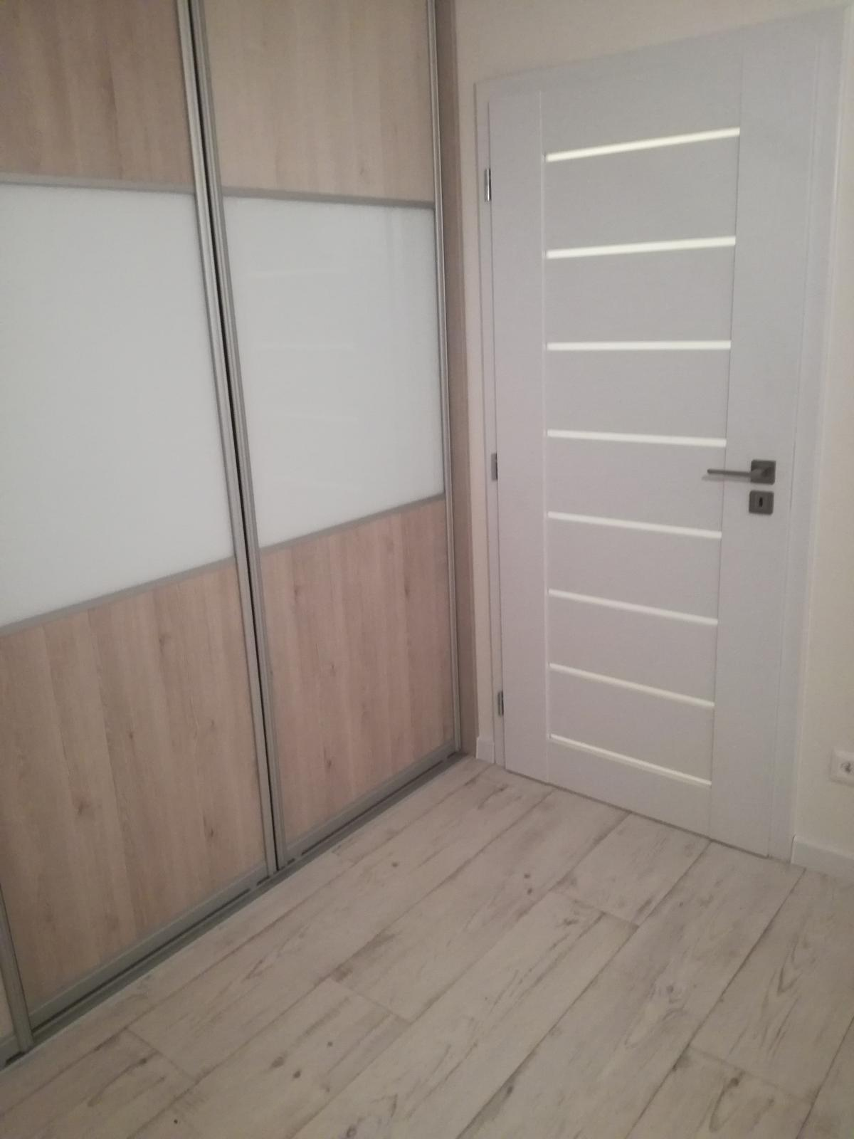 Vinylová podlaha Gerflor + rámové dvere Dre - Rámové dvere Dre Premium. Podlaha Greflor - Home Comfort 1536 Keywest Blanc.