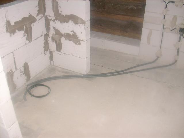 Chalupa - privod elektriky ku pultu