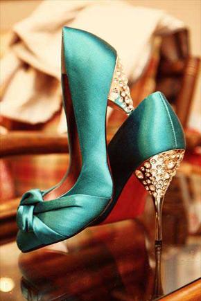 Winter Wedding ideas - Blue winter wedding shoes