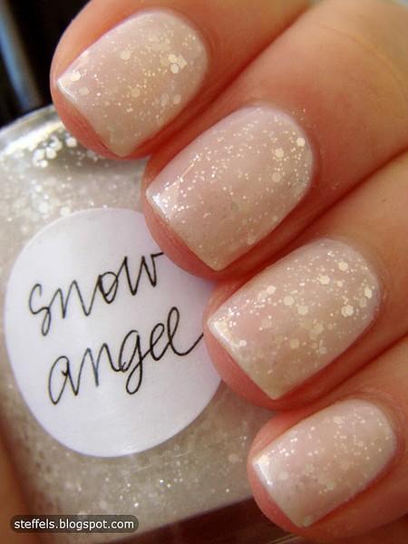 Winter Wedding ideas - Winter wedding nails