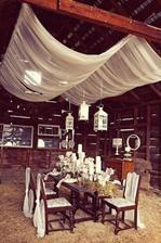 něco takového bych chtěla do stodoly naší - myslím ty závěsy:)
