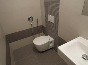 samostatne wc na hornom poschodi