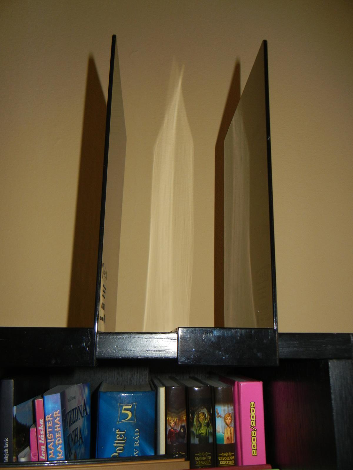 Ikea policová zarážka na knihy - Obrázok č. 2