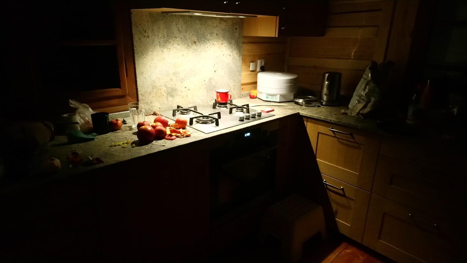 36957421de89 Dřevěná kuchyně