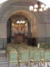 Interiér kostelíka - místo konání