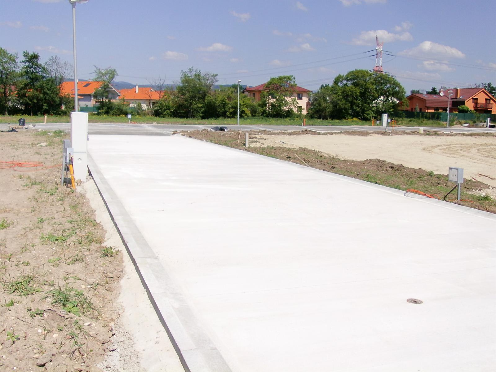 ...tak začali konečne betonovať... - Obrázok č. 2