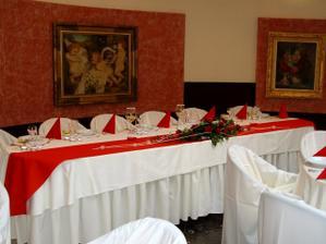 náš hlavný stôl