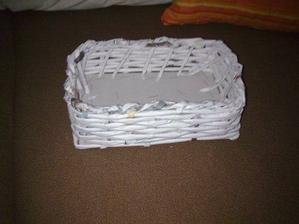 môj prvý dokončený košík..nieje to bohviečo, ale uvidím aký bude natrený..