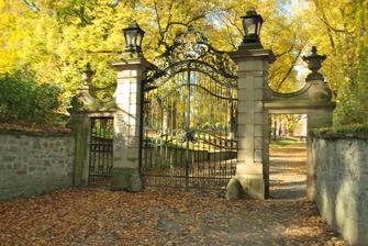 krásně fotogenická brána :)