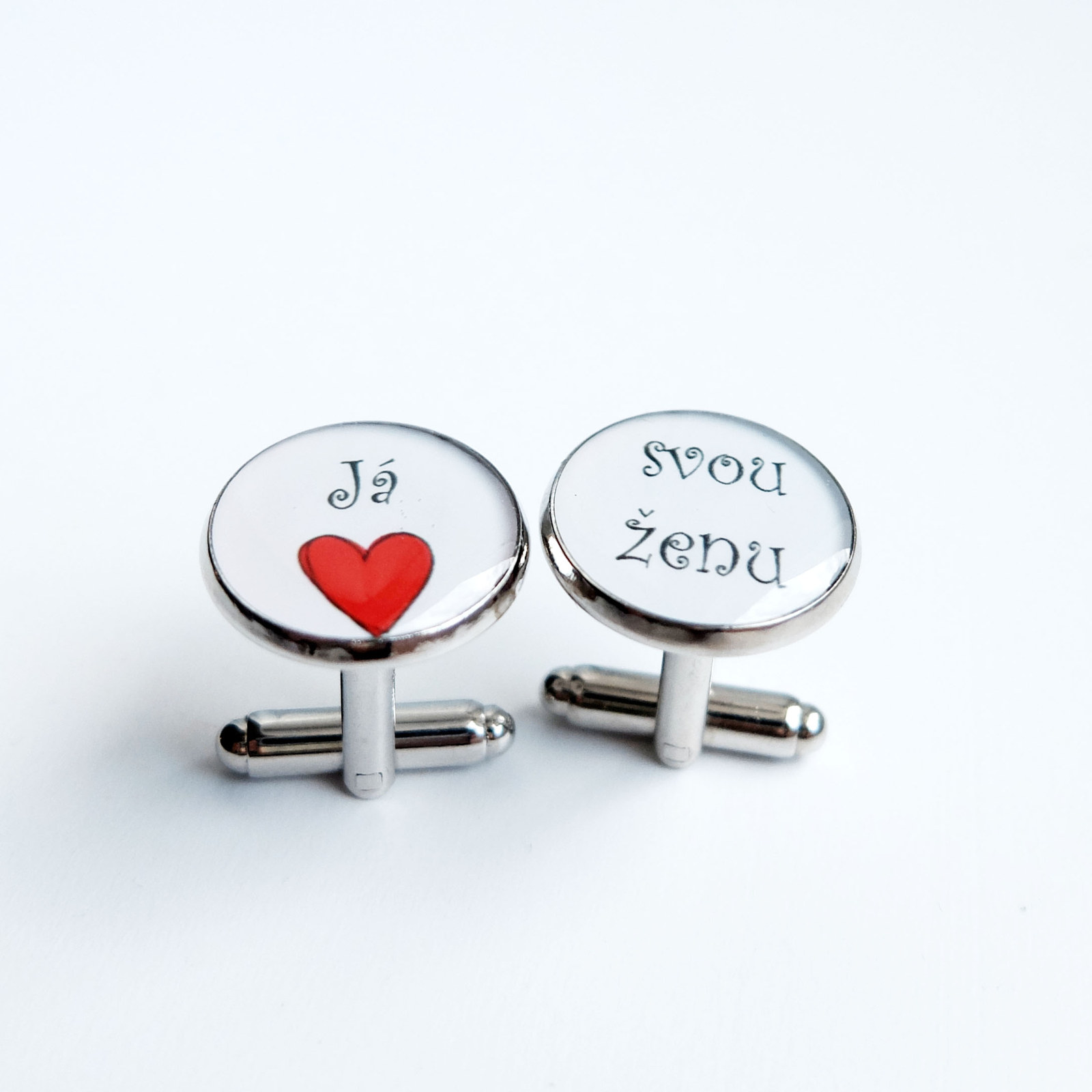 Vánoce - Nestihli jste svůj Vánoční nákup u nás? Nezoufejte, máme ještě nějaké zamilované šperky skladem! Třeba tyto manžetky Já miluji svou ženu. http://bit.ly/vanocni_skladovky