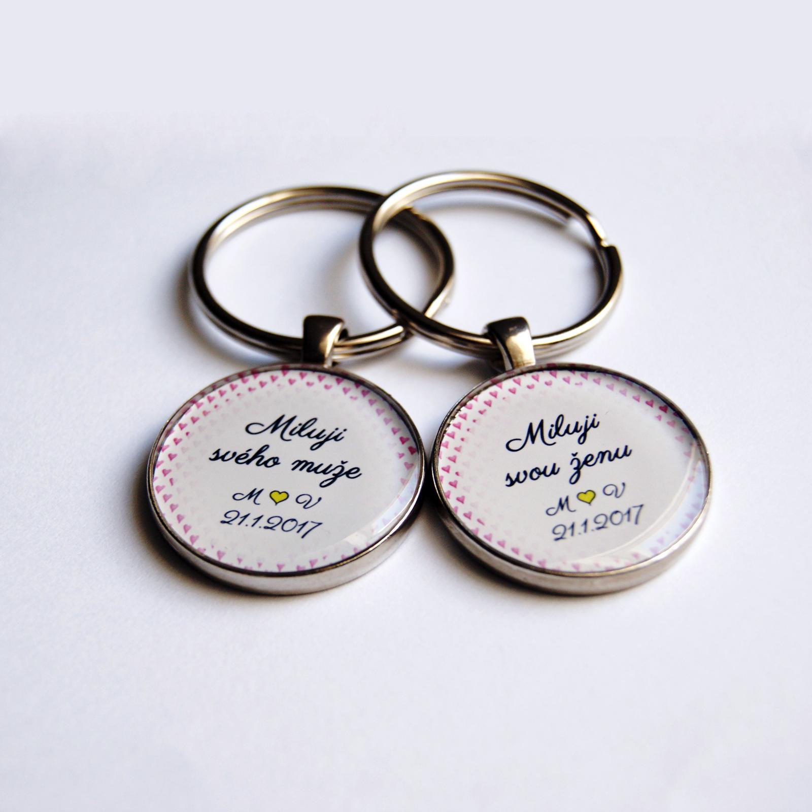 Svatby roku 2017 - Sada přívěsků na klíče, kteoru jsme vyráběli, nechte se inspirovat. Pro návrh vlastního šperku na přání využijte náš formulář na eshopu: http://bit.ly/_sperky_na_prani