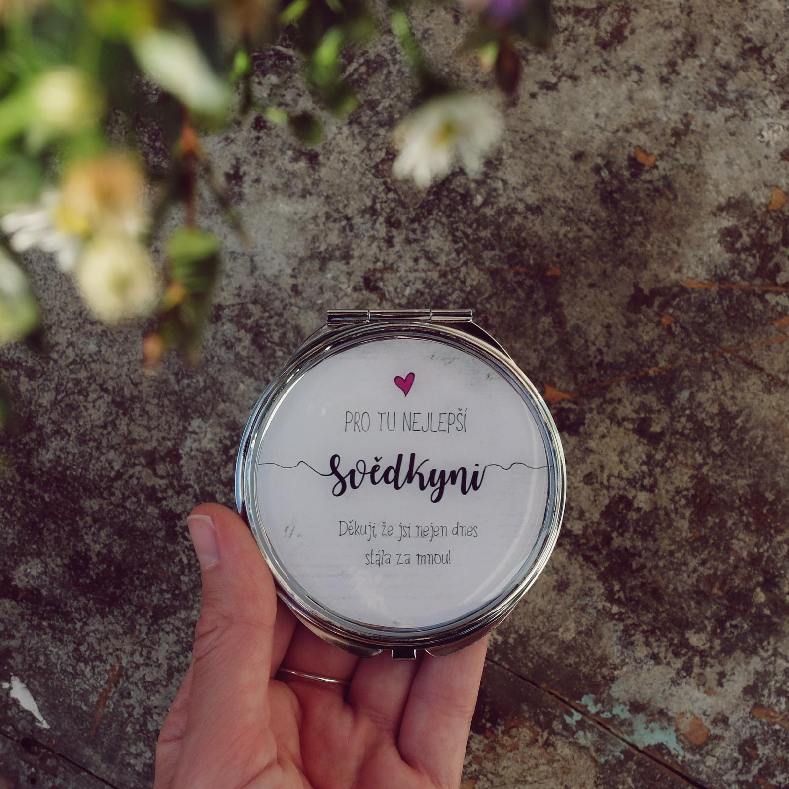 Pro svědkyně - Dárky na svatbu podle Vašeho přání si objednávejte na eshopu >> https://designempathy.cz/
