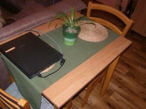 stůl jidelní