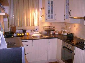 kuchyňa-malá, ale nič nám v nej nechýba