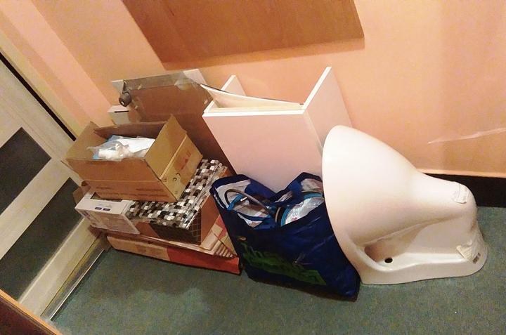 Už nakúpené... (wc misa, skrinka s umývadielkom, obklad, špárovačka, dvierka do stupačky)