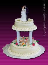 takový dortík budeme mít, budou tam navíc živé květy